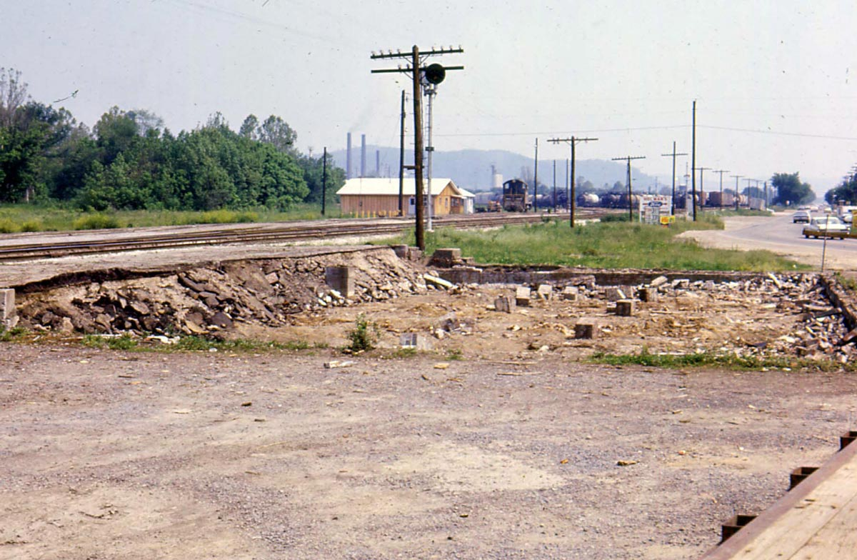 Old Depot removed, new depot in background - Nitro, West Virginia - 1967