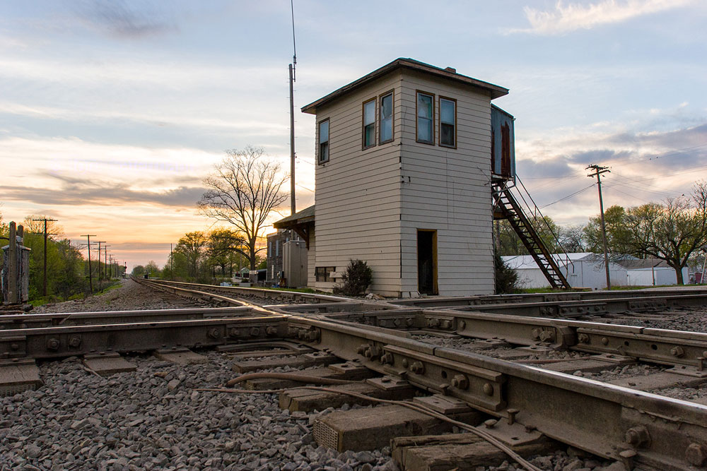 Looking northwest at the tower at sunset. The BNSF's Beardstown Sub. crosses left to right over the CSX's Illinois Subdivision